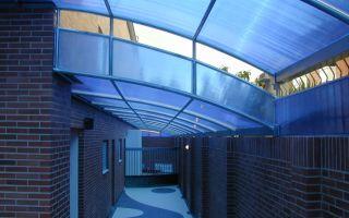 Достоинства и варианты применения стены из поликарбоната
