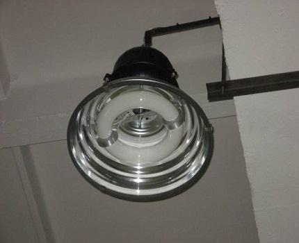 Чем отличаются индукционные светильники от других5