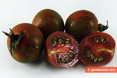 Черные помидоры кумато4